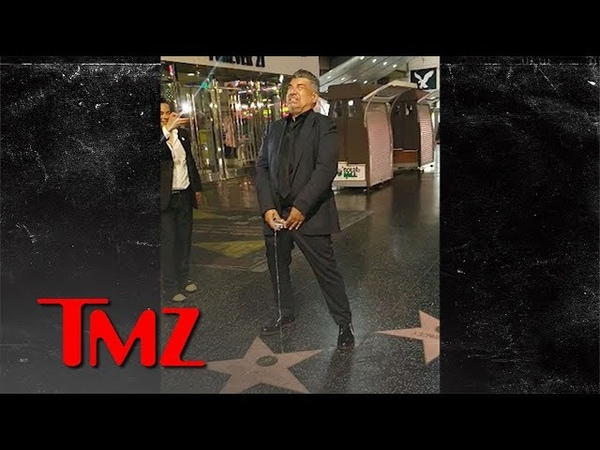 George Lopez Pretends to Pee on Donald Trumps Hollywood Star | TMZ