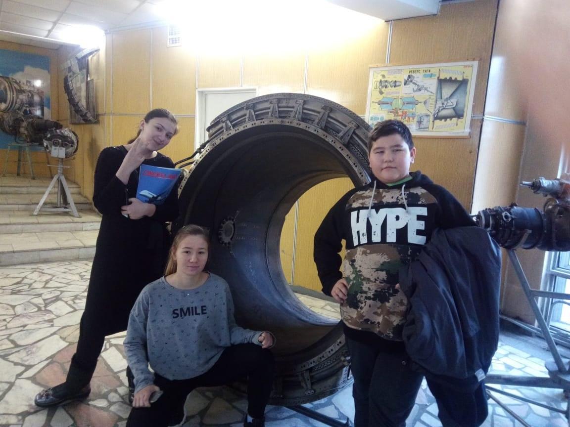 Школа имени Лютикова устроила экскурсию для своих воспитанников