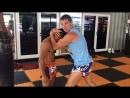 Отработка упражнений в клинче в тайском боксе