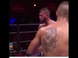 Когда в тебя соперник не может попасть. Хорошая боксерская защита корпусом.