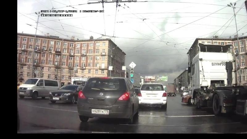 ДТП - СПб - Заневский - Новочеркасский _ Car crash Saint-Petersburg
