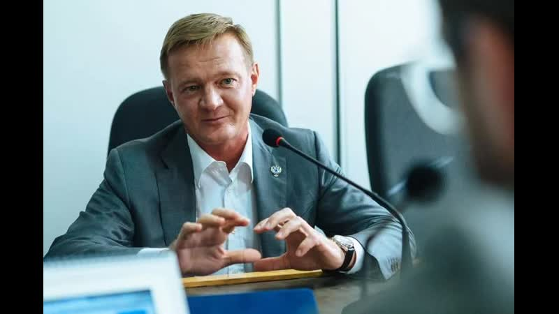 Врио губернатора Курской области в студенчестве продавал матрешки