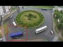Часом ранее... В Бресте на бульварной кольце водитель автобуса придавил легковой автомобиль к обочине и уехал
