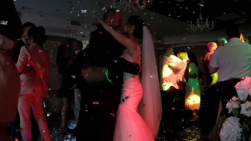 Конфетти дождь на танец гостей Ресторан Баязет 8 921 406 84 88