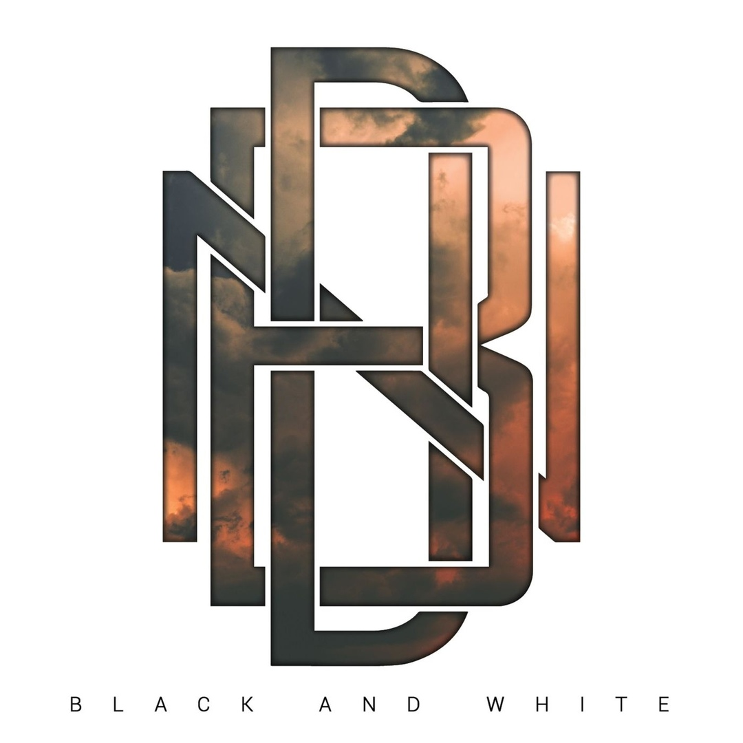 Never Back Down - Black And White (2018)