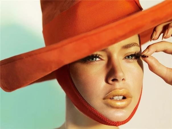 Только новичок в фотографии не слышал о Марио Тестино - знаменитом британском фотографе! Работы Марио публикуются в Vogue, для журнала Vanity Fair в 1997 году принцесса Диана выбрала его в