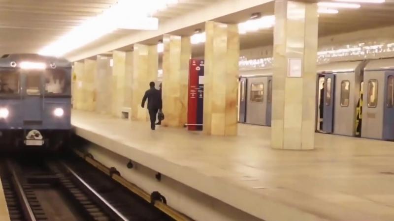 Отбитый Модник (1080p).mp4