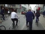 Премьер-министр Дании показывает президенту Франции Макрону Копенгаген. Просто так катаются на великах.
