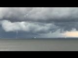 Два водяных смерча в Финском заливе