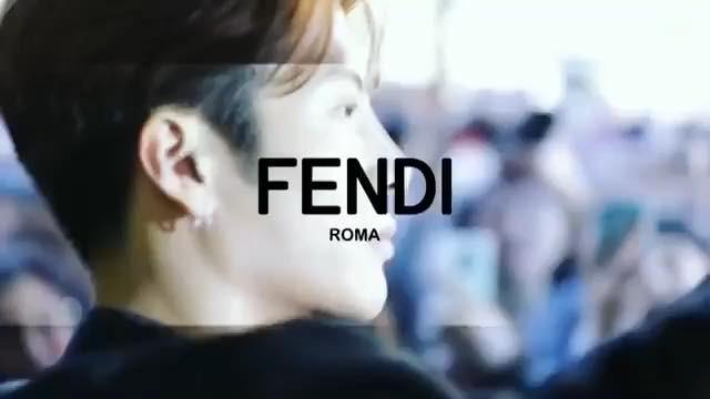 """Jackson Wang 王嘉爾 왕잭슨 on Instagram: """"❤️ FENDI fashion week 엔딩 쓸수있어서 영광이에요 감사해요🙏"""