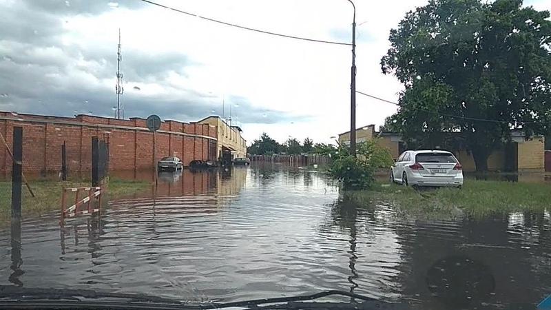 После дождичка в четверг последствия сильного ливня в Пинске 20 июня