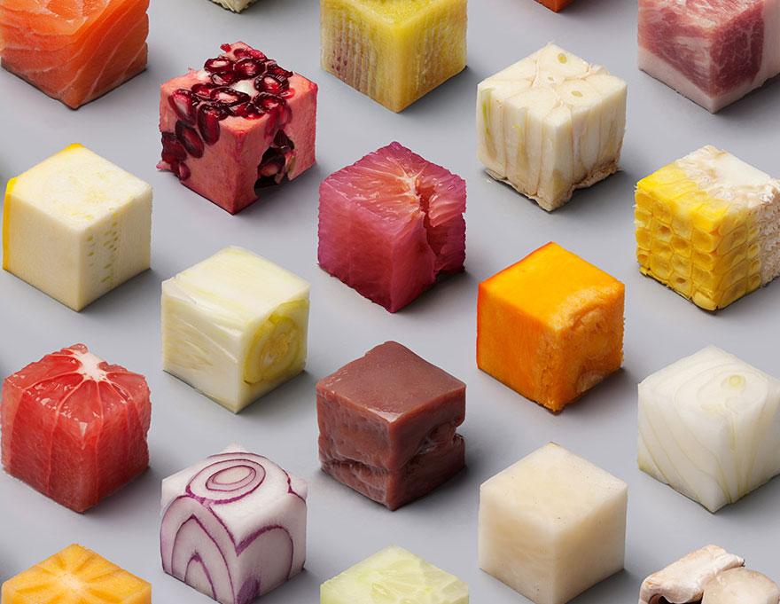 Художники нарезали еду на 98 совершенных кубов, чтобы вызвать аппетит у перфекционистов