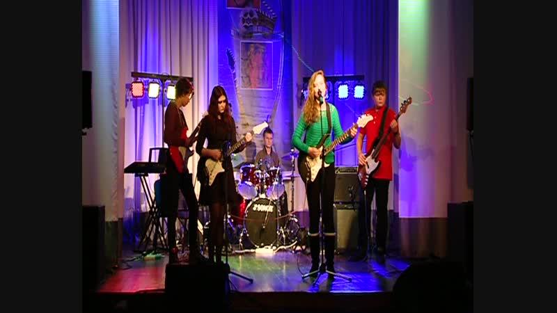 1 й фестиваль школьных рок групп Отзвуки осени 2013 Кузьменко