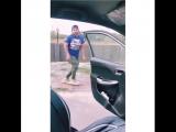 Челлендж с танцем возле едущего автомобиля пошел не по плану