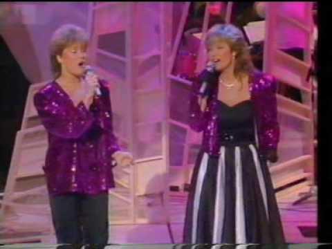 1985 Eurovision - Norway - Bobbysocks! La det swinge - BBC Preview Show