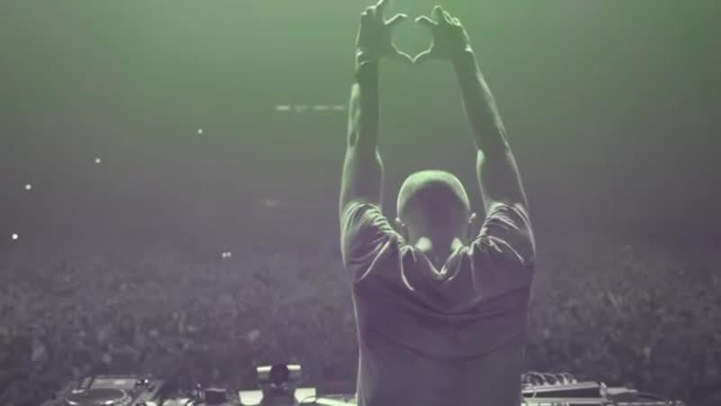 Kaskade - Lessons In Love (Headhunterz Remix)