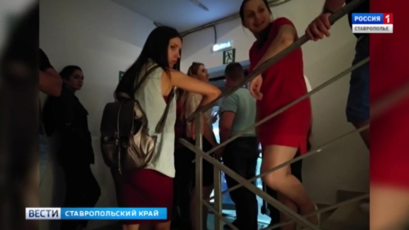 В Ставрополе охранник ТЦ Космос перепутал эвакуационные выходы