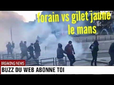 Le Mans affrontements forains vs CRS dans le centre-ville place des Jacobins, la mairie évacuée