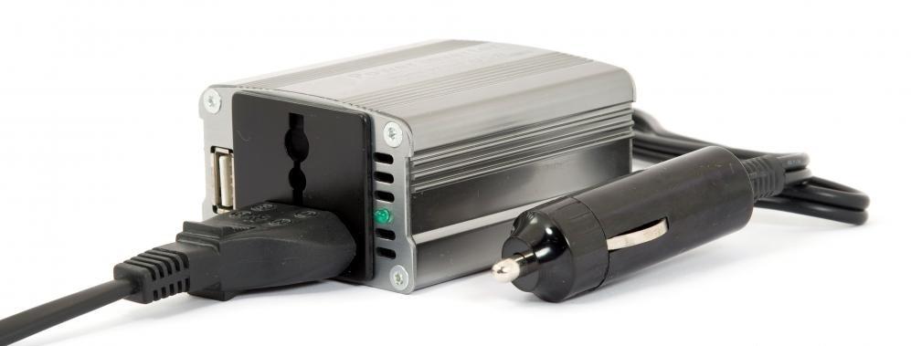 Инвертор с разъемом постоянного тока.