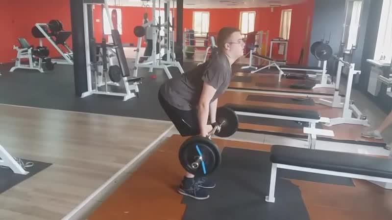 Тренер Илия Локтионова.Тяга Z - грифа к поясу обратным хватом.Мышцы спины.