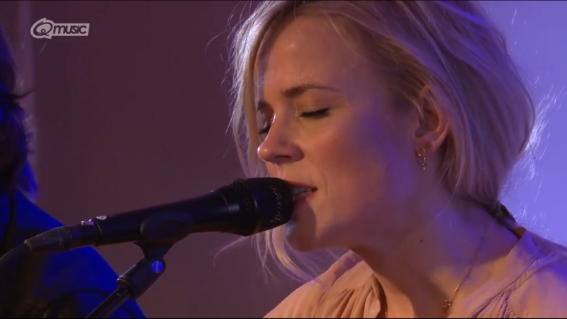 The Common Linnets - Still Loving After You (live in het Q-hotel 2014)