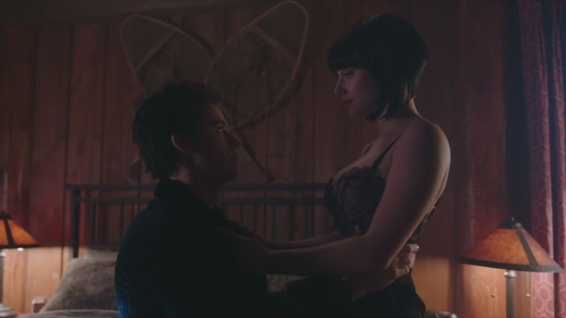 Бетти наказывает Джагхеда. Ривердейл 2 сезон 14 серия.
