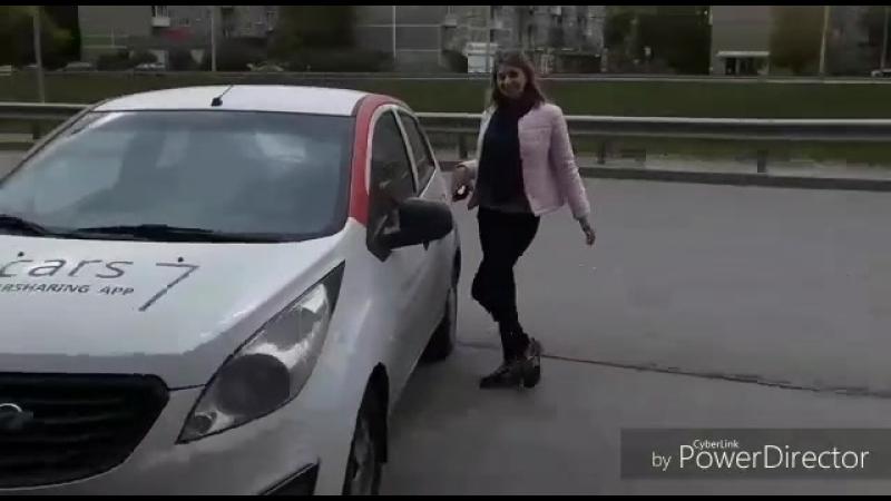Девушка и автомобиль | Cars7 - каршеринг в Новосибирске