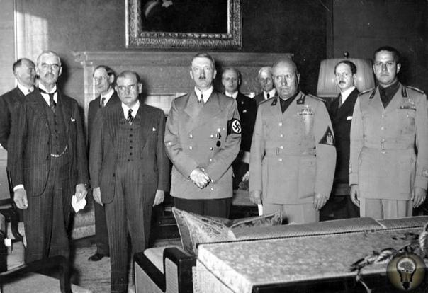Против фашистов 20 июля 1944 года прусское офицерство попыталось убить Гитлера, взять власть и предотвратить капитуляцию. Граф Штауффенберг самый решительный участник покушения. Заговор против