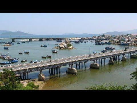 204 Вьетнам Нячанг Виды города из окна автобуса Река Кай Vietnam Nha Trang Cai River