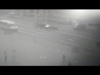 Возле ЦУМа в Минске произошло ДТП с участием маршрутного такси