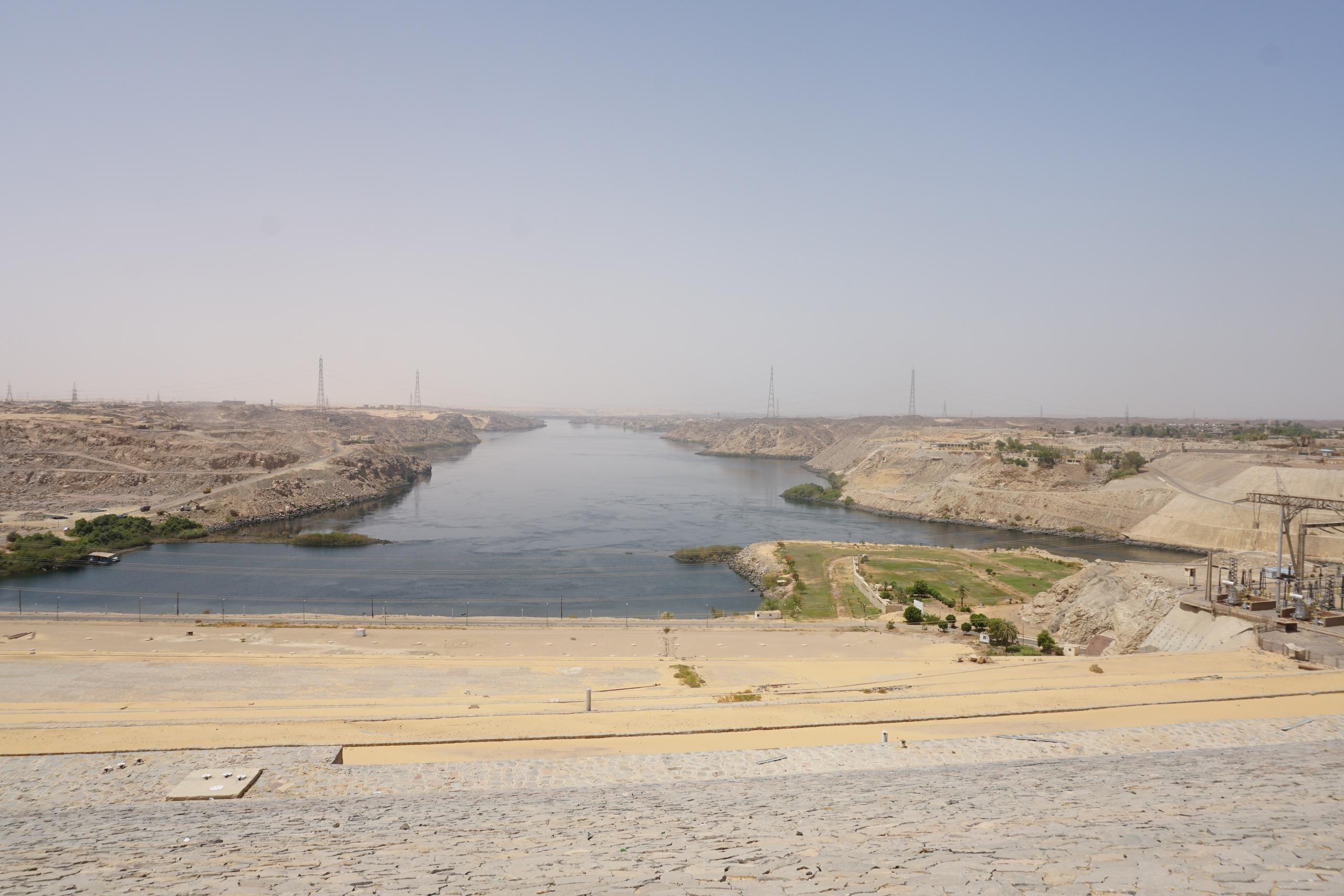 Асуанская плотина в Египте как туристический объект