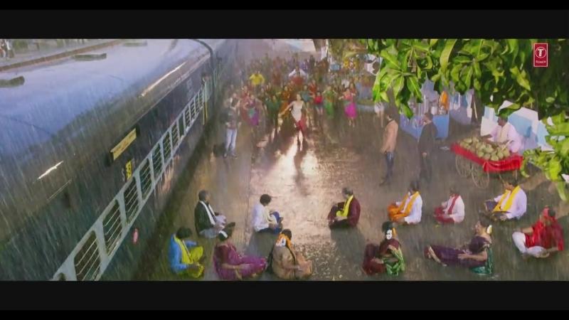 Cham Cham Full Video _ BAAGHI _ Tiger Shroff, Shraddha Kapoor_ Meet Bros, Monali