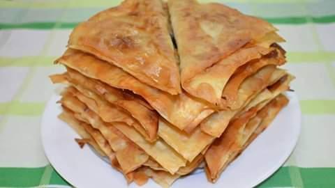 Название блюда Чебуреки я впервые услышал в Вильнюсе. Кулинарный рассказ от Марата Баскина ЛЕНИВЫЕ ЧЕБУРЕКИЧестно признаюсь, что впервые я увидал чебуреки в вильнюсской привокзальной чебуречной.