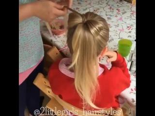 Идея хвостика с бантиком для малышки в школу