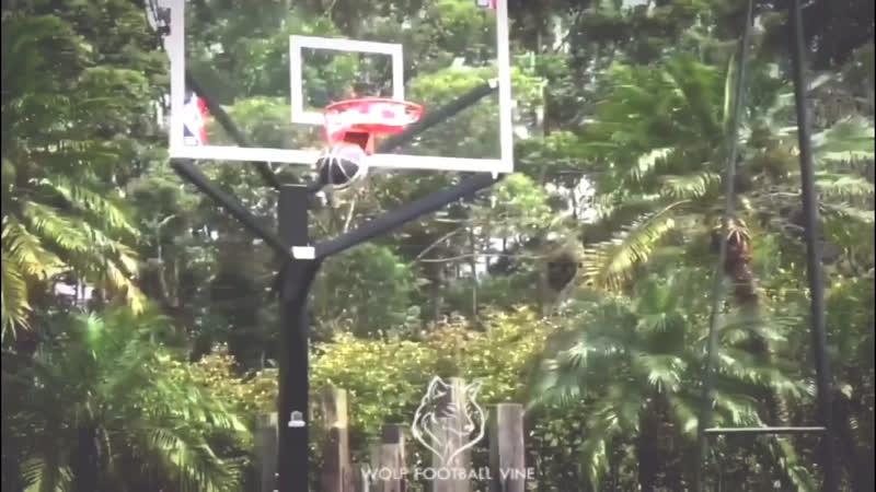 Хамес Родригес играет в баскетбол! | varsity | AWFV