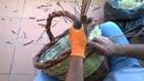La chiusura di un cesto in salice con treccia a 2 capi
