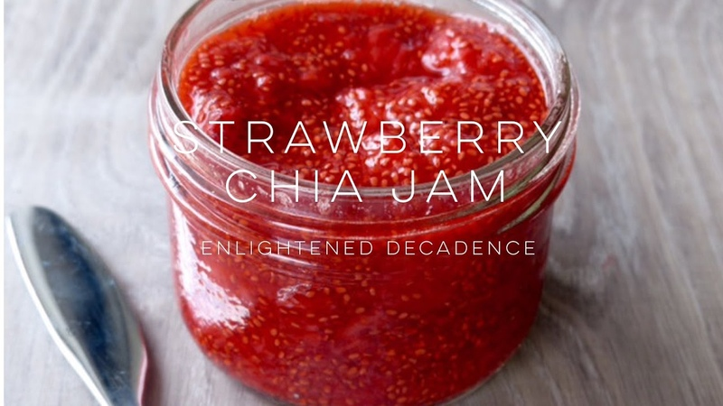 Strawberry Chia Jam (vegan) | THE SIMPLE GREEN
