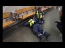 Schweden Afrikanische Asylantengang attackiert gewaltsam das hilflose Sicherheitspersonal