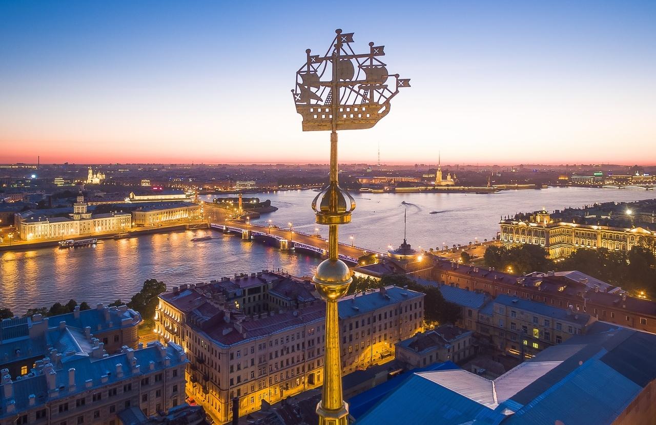 0miLsEpWm_c Сенатская площадь в Санкт-Петербурге.