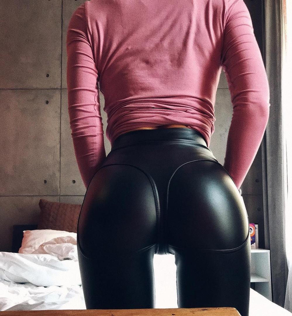 Horny aroused babes make homemade flicks
