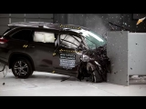 2018 Toyota Highlander passenger-side small overlap IIHS crash test