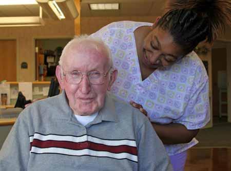 В программу ухода за престарелыми входит помощь пожилым людям, которые не могут самостоятельно передвигаться.