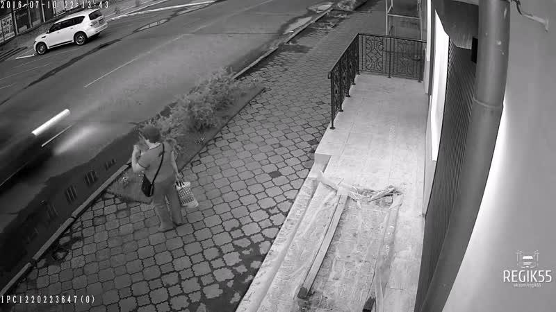 Похитительница цветов, Омск (11.07.2016)