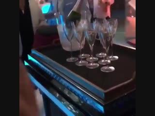 Где можно купить такой столик