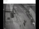 Des voleurs potentiels parlent à des flics au Brésil