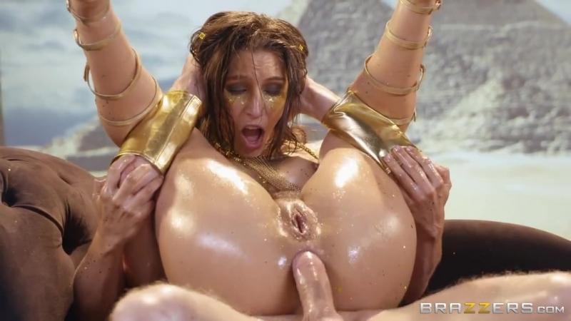 Abella Danger пукнула во время анальной ебли огромным хуем членом