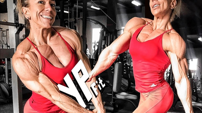 CRAZY SHREDDED FEMALE BODYBUILDER Oana Marinescu ► Fitness Motivation