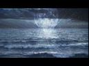 Отражения в воде, набегающая морская волна и душевная музыка