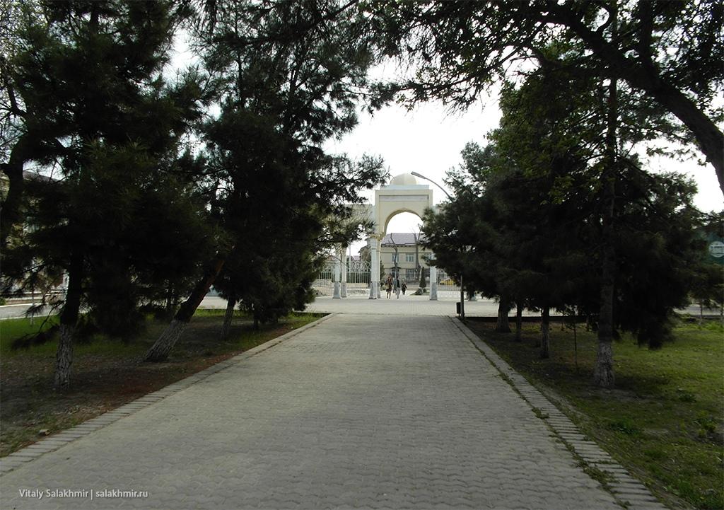 Парк Истирохат внутри, Бухара 2019