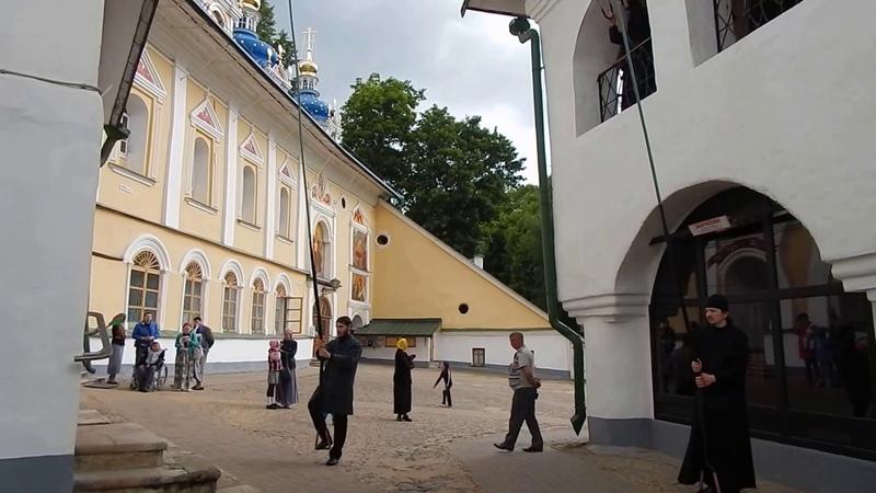 Колокольный звон в Псково Печерском Монастыре